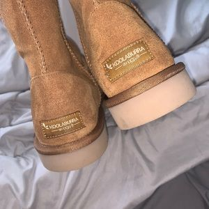 UGG Shoes - BRAND NEW UGGS womens 9